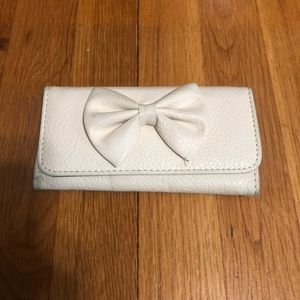 Off white bow tie wallet